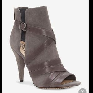 NWOB Vince Camuto 'Achika' Belted Bootie Size 8.5